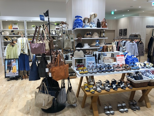 イオンモール常滑シューラルー店舗写真2
